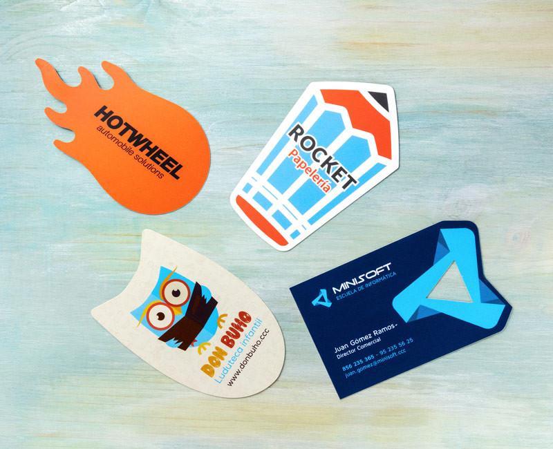 tarjeta de visita troqueladas en varias formas y colores