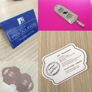 etiquetas de carton con forma